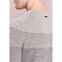 cc96102143d48 Swetry marki BOSS CASUAL - Kolekcja wiosna 2019 - Moda w Men's Health