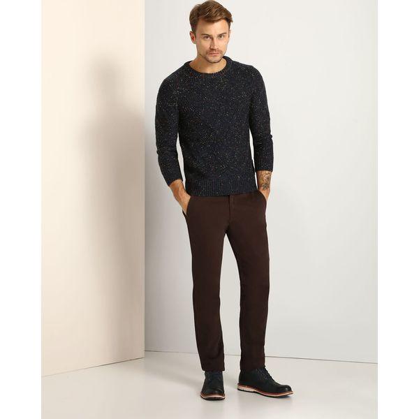 a1ceec86cdf20 Spodnie materiałowe marki TOP SECRET - Kolekcja wiosna 2019 - Moda w Men's  Health