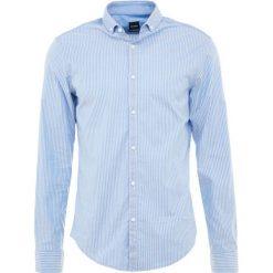 a2f2c1377004f BOSS ATHLEISURE BRAMLY REGULAR FIT Koszula bright blue. Koszule marki BOSS  ATHLEISURE.