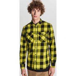 7712a3bf1c94c0 Cropp koszule męskie - Koszule - Kolekcja lato 2019 - Moda w Men's ...